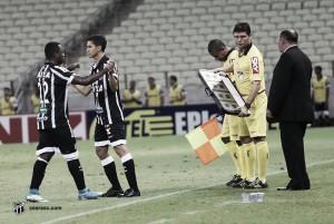 Torcida cobra presença de ídolos Magno Alves e Ricardinho em treino aberto do Ceará