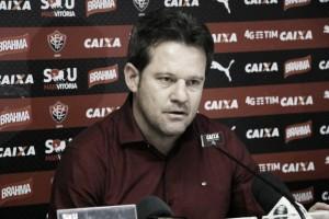 Argel define Vitória, mas manterá mistério até a hora de enfrentar o Santos