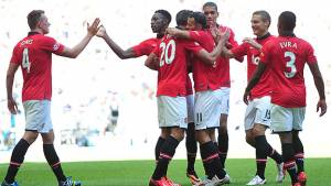 Antonio Valencia gana la Community Shield con el Manchester United