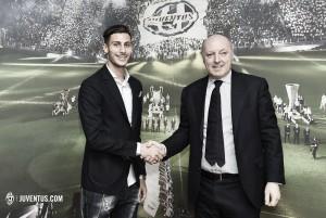 Juventus sign Mandragora