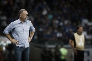 """Mano Menezes elogia atuação do Cruzeiro: """"Estou satisfeito com o que os jogadores produziram"""""""