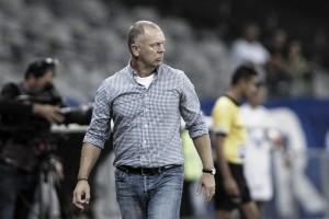 """Mano Menezes projeta 'grande final' contra Atlético-MG: """"Esperamos isso"""""""