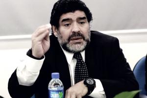 """Maradona indica la strada al Napoli: """"Squadra da Scudetto, deve seguire Sarri"""""""