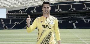 Andrés es oficialmente futbolista del Oporto y la llegada de Nekounam se retrasa