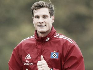 Marcell Jansen to stay at Hamburger SV