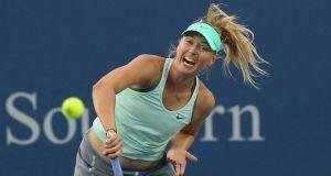 Sharapova se sobrepone a los problemas