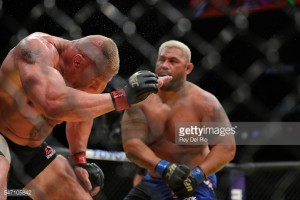 Mark Hunt sues UFC over fight with Brock Lesnar