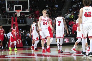 NBA - Chicago Bulls corsari ad Atlanta, Miami ringrazia Johnson e sbanca Charlotte