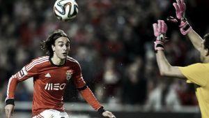 Markovic guía al Benfica a afianzarse en el liderato