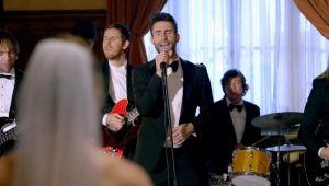 Maroon 5 aparece en bodas con 'Sugar'
