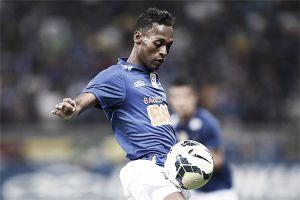 Cruzeiro bate URT fora de casa e se mantém no topo do Mineiro