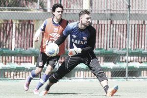 Martín Silva poderá estar com a seleção do Uruguai na reta final da série B, desfalcando o Vasco