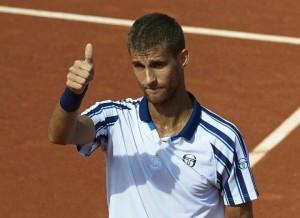 ATP Amburgo: sul velluto Klizan, ai quarti anche Garcia-Lopez