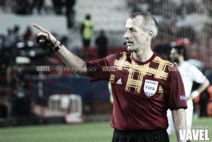 Martin Atkinson arbitrará el FC Barcelona - Bayer Leverkusen