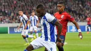 Porto 2-0Lille(Agg 3-0): Goals from Martinez and Brahimi earn Porto a place in group stages