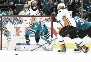 Martin Jones' 45 saves puts San Jose Sharks one win away from sweep