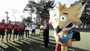 Presentados el balón y la mascota de Chile 2015