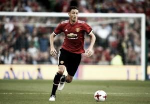 "Gary Neville analisa transferência deMatic para o Manchester United como ""estranha"""