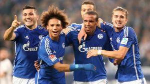 Matip vuela y el Schalke despega