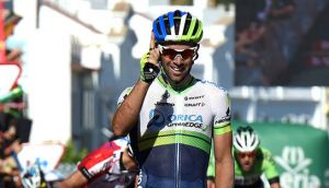 Vuelta a Espana Stage 3: Matthews snatches overall lead