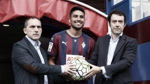 El Eibar presenta a Mauro Dos Santos