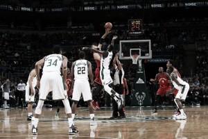 NBA, Pistons a valanga a Philadelphia. Milwaukee batte i Raptors