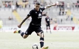 Everton midfielder Muhamed Bešić sustains knee injury - out for six months