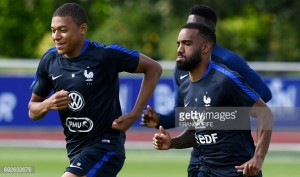 Alex Oxlade-Chamberlain would love Arsenal to sign Kylian Mbappe and Alexandre Lacazette