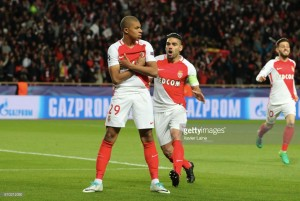 Kylian Mbappé joins PSG in deadline day loan deal