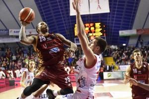 Legabasket - La sostanza di Venezia contro l'entusiasmo di Pistoia