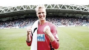 Jonas Lössl tendrá un vínculo permanente con el Huddersfield Town