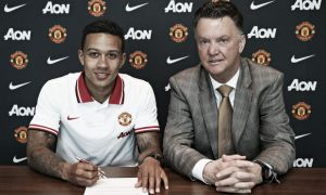 Manchester United officially complete signing of Memphis Depay