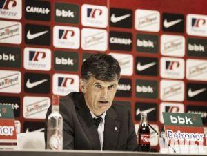 """Mendilibar: """"Todavía tienen que llegar siete jugadores más"""""""