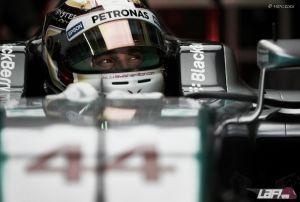 """Lewis Hamilton: """"Hay coches rápidos que podrían estar cerca mañana"""""""
