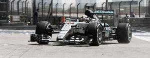 Mercedes no cede y Hamilton vuelve a liderar