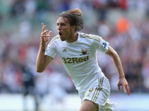 Michu absent six semaines