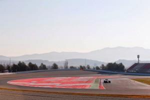 Primer día de tests de pretemporada: Ferrari por delante de Mercedes, ¿realidad o espejismo?
