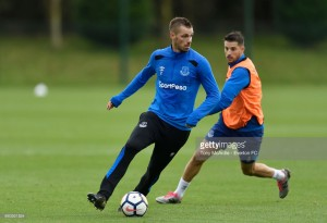 Kevin Mirallas and Morgan Schneiderlin reportedly dropped from Everton training session