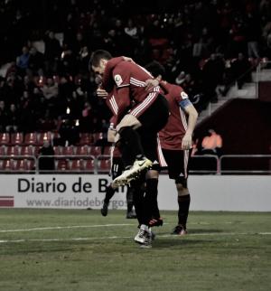 Pito Camacho da la victoria al Mirandés con un hat-trick