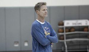 Kerr se aleja de los Warriors por tiempo indefinido