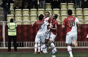 Berbatov pone la magia y da los tres puntos
