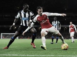 Monreal amplía su vinculación al Arsenal