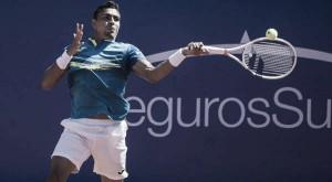 Monteiro surpreende Monfils e faz primeira semifinal da carreira em Quito