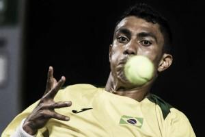 Monteiro decepciona e Brasil é eliminado pela Colômbia na Copa Davis