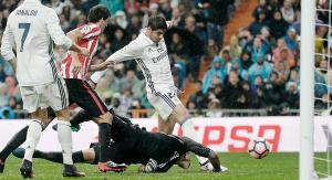 Un Morata enrachado pone líder al Real Madrid