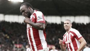 Aston Villa 1-2 Stoke City: Late Moses penalty gives Sherwood first defeat