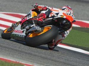 Misano, pole e record per Márquez, Rossi in prima fila