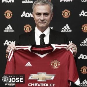 El Manchester United oficializa el fichaje de Jose Mourinho