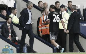 People 'love' to see Chelsea lose, says Mourinho