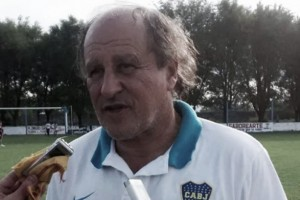 """Mouzo: """"Los centrales de Boca cometen errores básicos"""""""